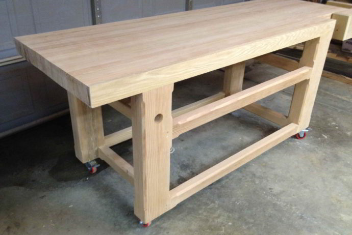 Zelf een tafel maken van steigerhout.