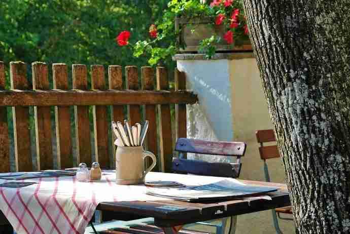 hoe maak je een steigerhouten eettafel