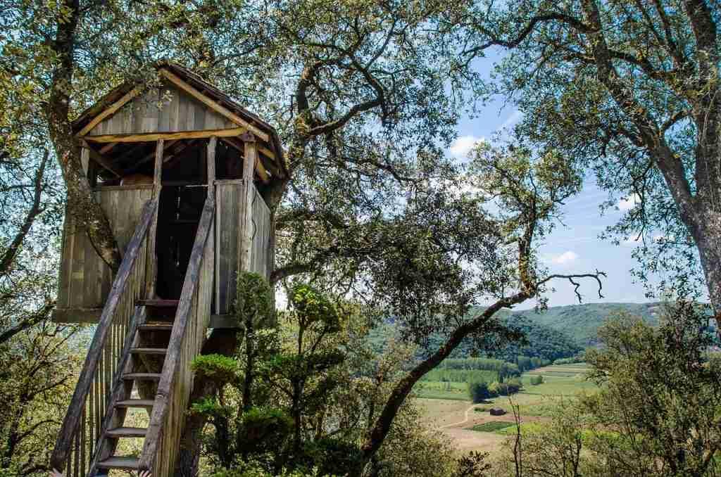 Zelf boomhut van steigerhout maken