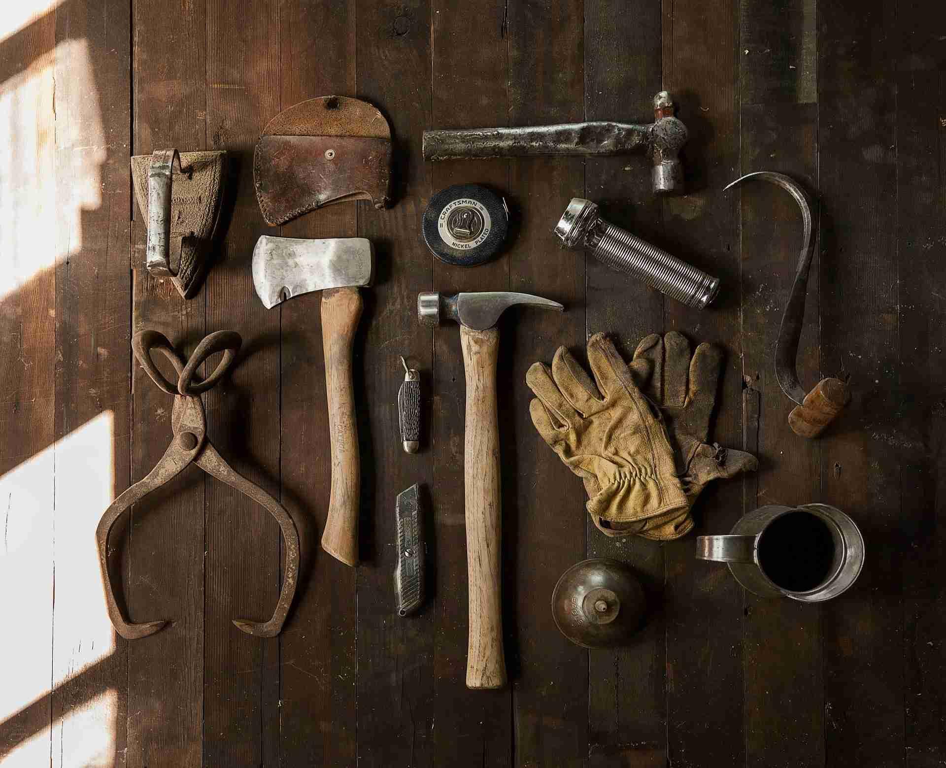 Hoe behandel je steigerhout?